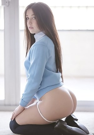 Young Perfect Ass Porn Pictures